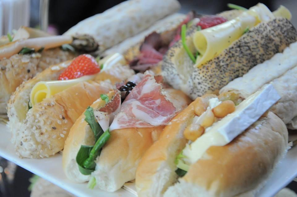 Luxe belegde broodjes lunch verzorging Catering van t Hooge